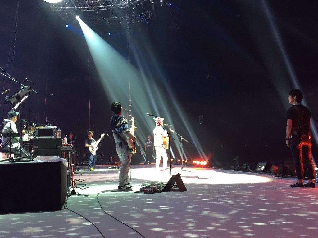 12月23日(水・祝)! 遂に、遂に、やってききました!!  本日のナオトは、 初のドーム公演、4万人LIVE!!  リハーサル、終わりました。 本番が楽しみです。  一緒に盛り上げてください! そして、思いっきり楽しんで下さい!! https://t.co/9r8qfylB1K