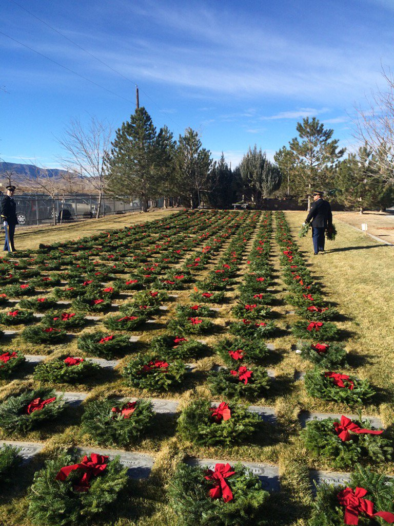 5,900 wreaths were placed at the Northern Nevada Veterans Memorial Cemetery in Fernley. https://t.co/0SsLGTwSf3