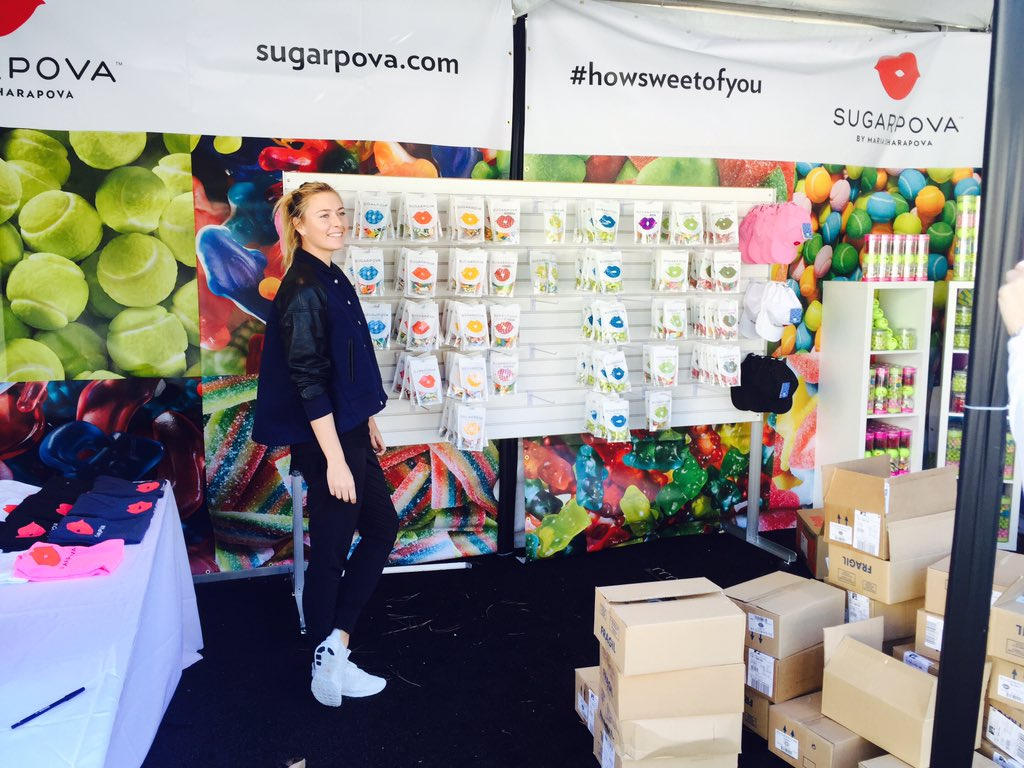 Checking out the @Supergoop and @Sugarpova booths before the gates opened yesterday. #MariaAndFriends https://t.co/uRbrmr4lwV