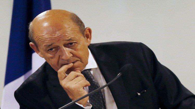 وزير الدفاع الفرنسي جان إيف لي دريان: داعش يسيطر على 250 كلم من خليج سرت، بهدف الوصول إلى جميع حقول النفط https://t.co/qRR3o5LhsF