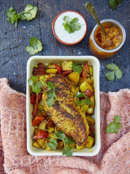 #RecipeoftheDay - quick and easy roasted #chicken breast with lemony #Bombay #potatoes! https://t.co/SVrnGfkA5m https://t.co/cnjKCwWF4V