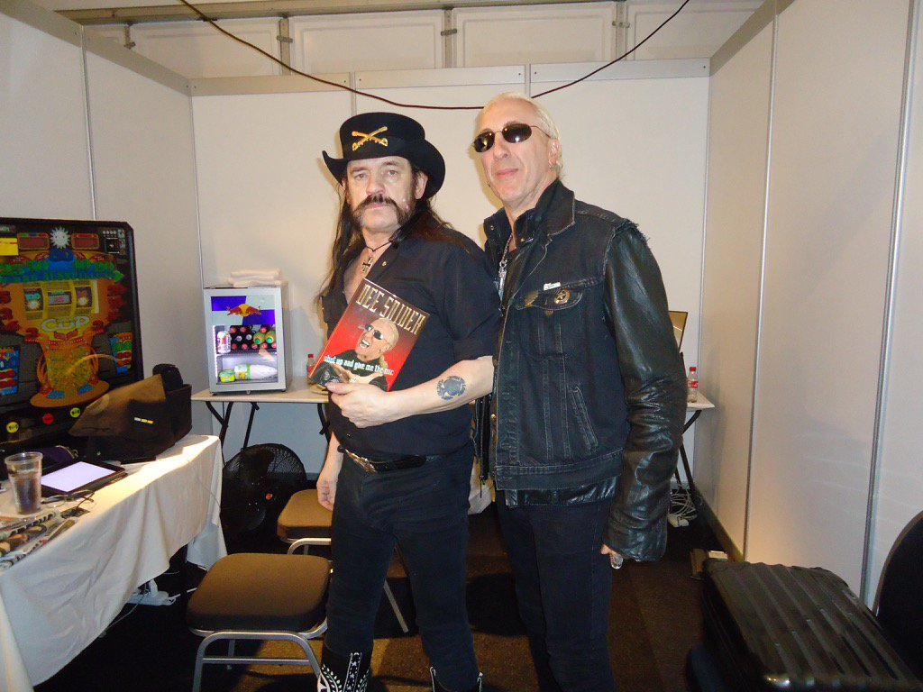 I love and miss you, my brother! Owe you the world! You were the real deal! @iamlemmy #RIPLEMMY https://t.co/NkhZkPsXNX