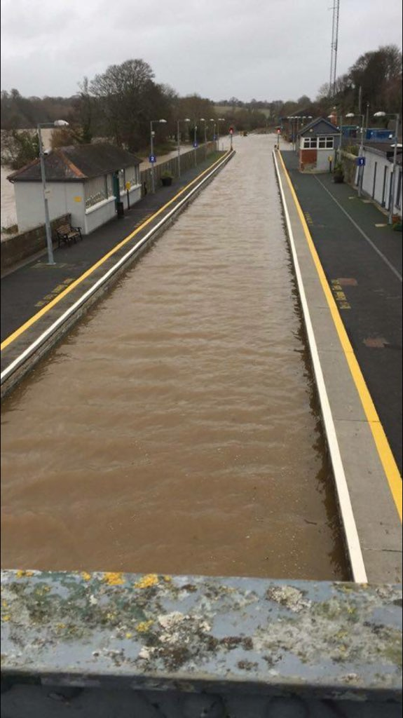 Enniscorthy railway station at present #stormfrank https://t.co/a7ixyHU7iK