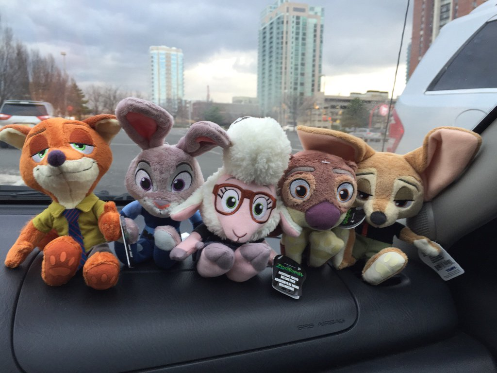 So Steph and I came out of Target and...  #Zootopia https://t.co/88x7vvbunc
