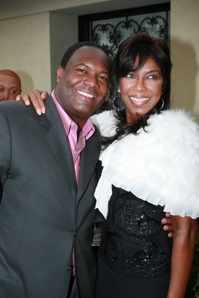 RIP to my friend #NatalieCole. You were and will always be special to me and my family! #missyoulikecrazy https://t.co/8mnz7Fw1Og
