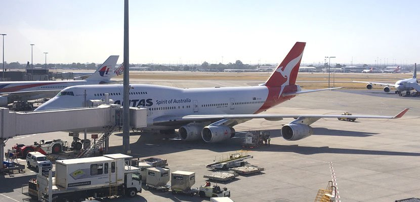RT @thepointsguy: Watch this @Qantas 747 fly with FIVE engines instead of four: