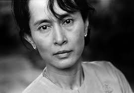 #Myanmar 's #AungSanSuuKyi - from human rights icon to #Rohingya concentration camp warden https://t.co/HdhVGBCqQx https://t.co/yttZEKHY1O