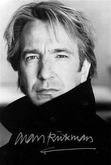 Умер один из моих любимых актеров, который всегда будет ассоциироваться со счастливым детством. rip Alan Rickman https://t.co/klnLzMeYo6