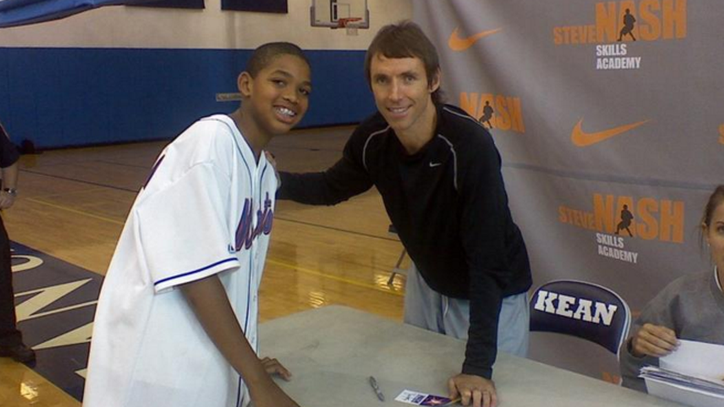 Here's a picture of 13 year old Karl-Anthony Towns meeting Steve Nash! https://t.co/Egg0WjRh1D https://t.co/iLGRz1ElBt