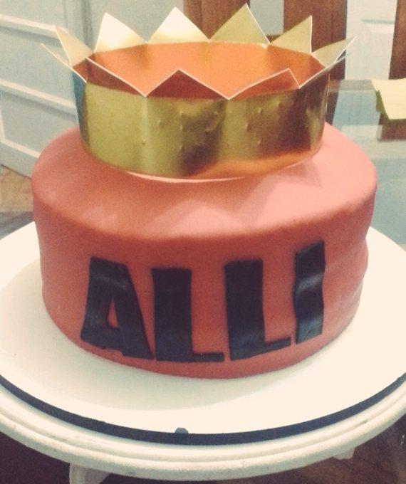 Cake cake cake cake  happy birthday girl !