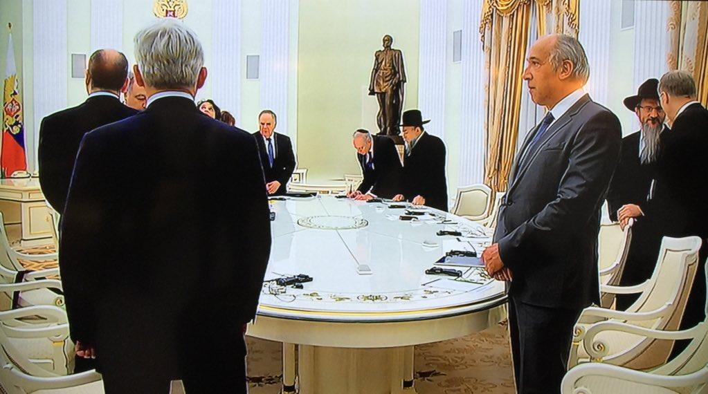 NEWSrucom  Кремль встреча Медведева и Путина связана