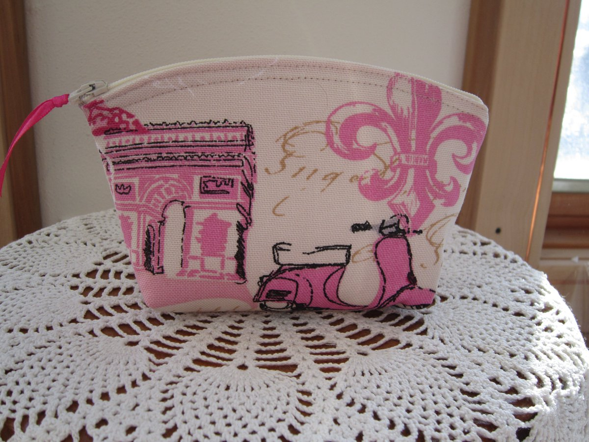 These make gr8 #Valentinegifts #cosmeticbags https://t.co/vJsblDIMXD #RTPFB #handmade #madeinUSA #Antiquebasketlady https://t.co/lgGBk3MzZu
