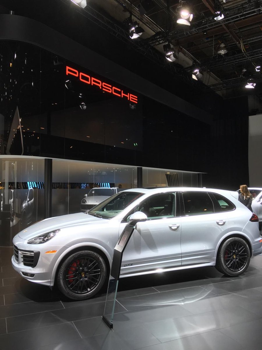 The @Porsche exhibit is shining bright at #NAIAS https://t.co/xM23GwUjvs