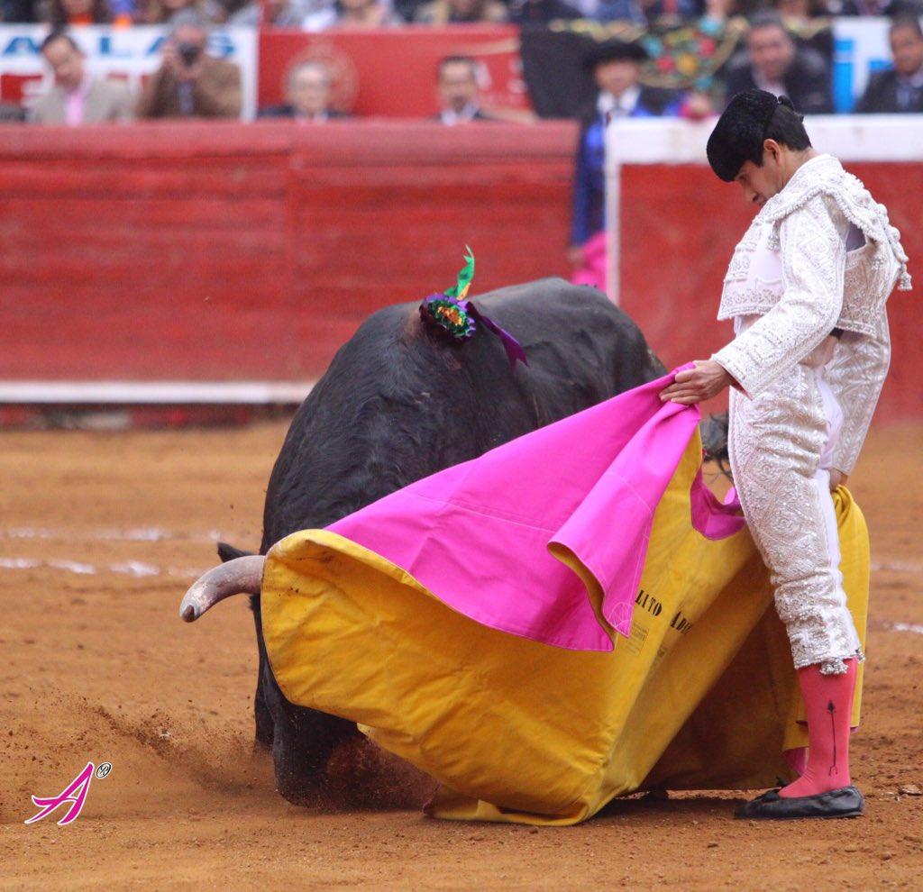 Primer toro  de El Juli completo Plaza México 24 Enero 2016 Temporada Grande 2015 / 2016