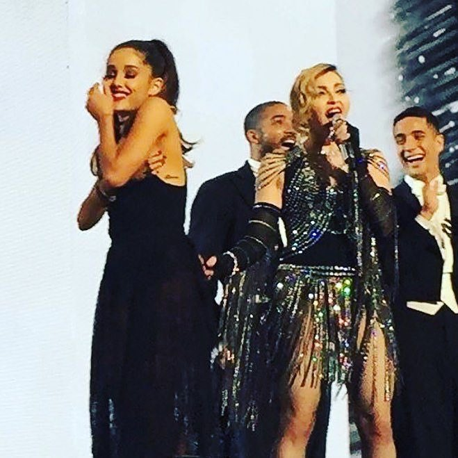 Kewtest Unapologetic Bitch EVER!! Thanks Ariana!!! Tonight was so much FUN! Miami show #2❌⭕️! ❤️ #rebelhearttour https://t.co/Dqfw3JsPzj