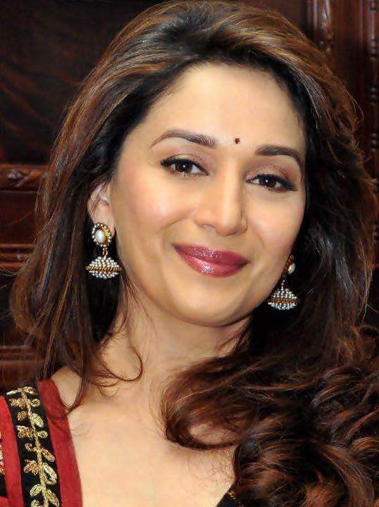 A very Happy Birthday to Bollywood\s eternal dancing diva, Dhak Dhak Madhuri Dixit!