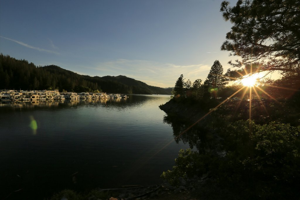 After 'disgraceful' trashing of Shasta Lake last year, Oregon college students clean up their act
