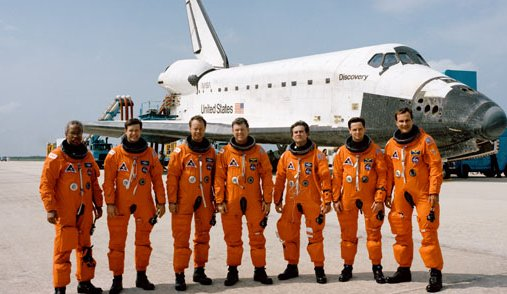 The crew of sts-39 discovery t...