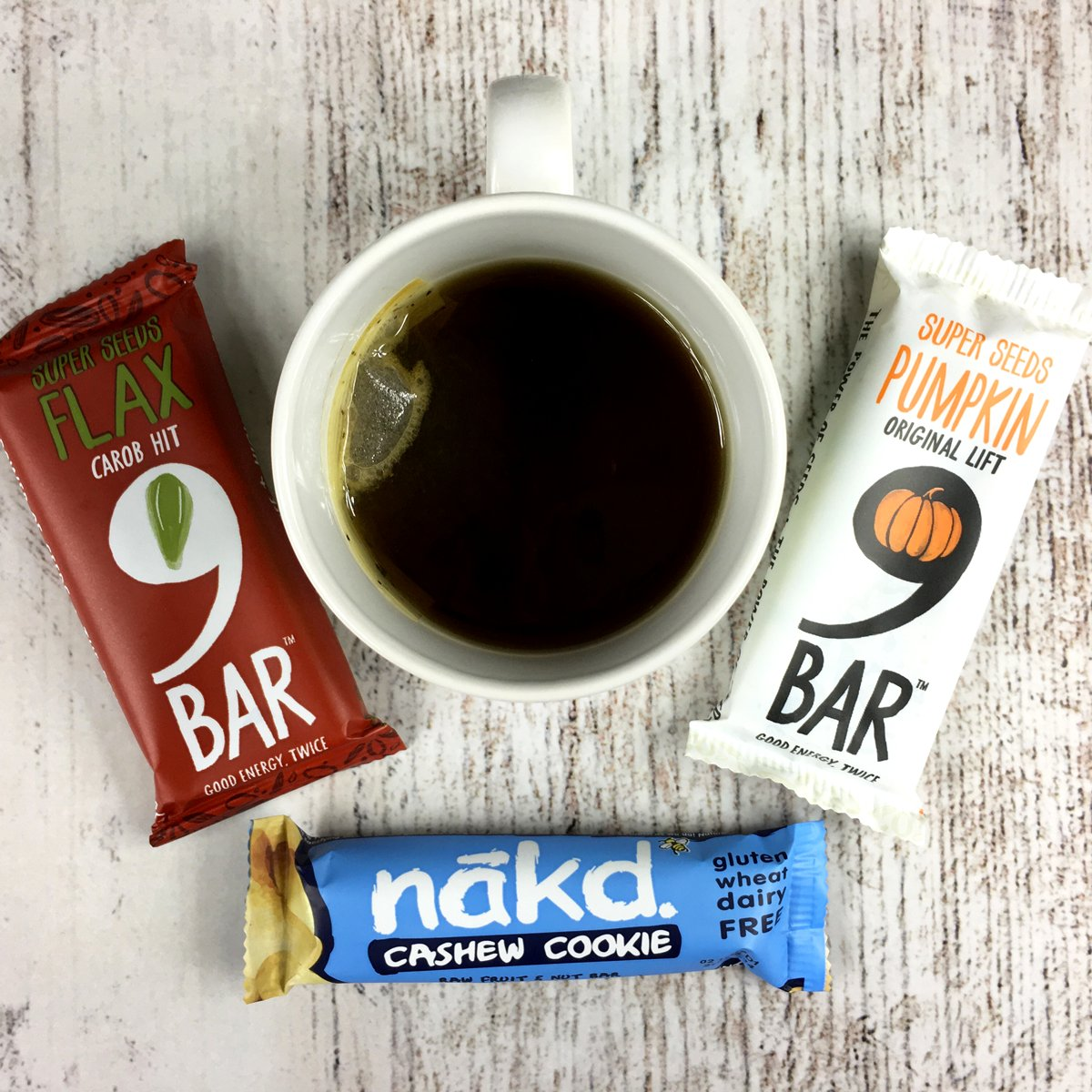These are a few of our favourite snack bars, vegan of course! And they're all in the penny sale ;) #veganhour https://t.co/RjjIChG0mz