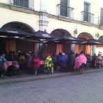 Integrantes de Codedi y Cooa toman restaurantes en Zócalo #Oaxaca para exigir atención a sus peticiones #twitteroax https://t.co/5KlcjIsm8j