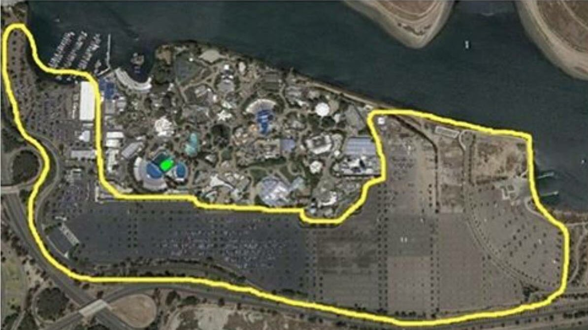 Yellow line shows the size of @SeaWorld's parking lot. Green dot is where their orcas will spend their entire lives. https://t.co/JsxdIUXBNe