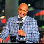 """Charles Barkley roasted the Suns on TNT. """"Best fans in the world get to watch this trash."""" https://t.co/N9Q5V88CLI https://t.co/lmsutDU1ng"""