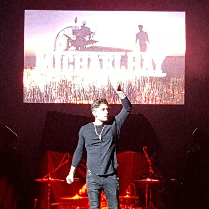 Oh snap @Michaelraymusic is on fire tonight!! @K923Orlando @AJandAshley #platypus https://t.co/JS1buGpSjU