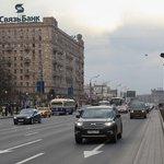 Строительный кран упал на проезжую часть на западе Москвы Строительный кран рухн... https://t.co/l6ikZTTEGw https://t.co/DQfz2AUYxc