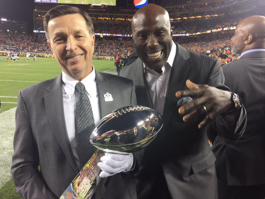 It's coming back home baby. #SB50 #Broncos #WorldChamps https://t.co/8J0r9QgjPQ
