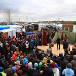 Performance of Hamlet at migrant camp cut short because there were lots of knives around https://t.co/RUySxuylOU https://t.co/Id9HfHlGkJ