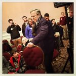 Jeb Bush hauls extra chairs into his Portsmouth town hall tonight. Snowy night here. @nprpolitics https://t.co/B5qpfV4b8x