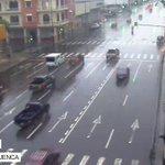 Videovigilancia @cscg112 monitorea calzada mojada por lluvia en el centro de #Guayaquil. disminuya la velocidad https://t.co/ULpxmgUgWU