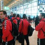 O equipo, no aeroporto. Preparado para coller o avión rumbo a Almería! #ForzaLugo https://t.co/40DTSbFAMg