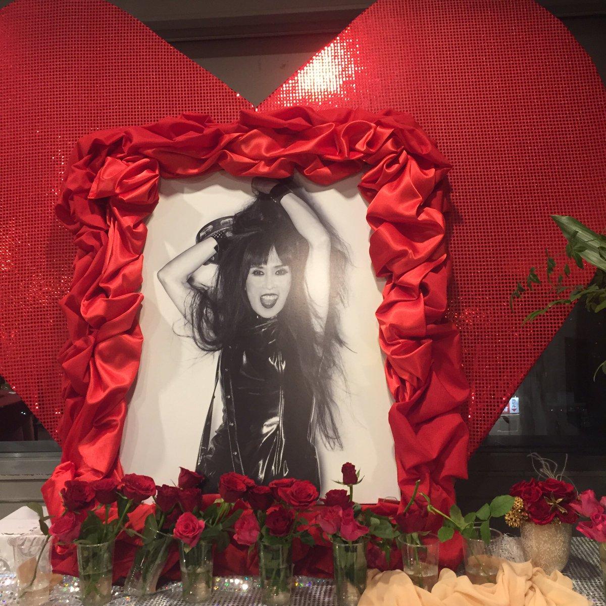 ValentinesDay シーナさんの一周忌@下北タウンホールへ。  SHEENA FOREVER  2枚目の写真は、昨年5月のSHEENA & THE ROKKETS @若松にて。 https://t.co/hiditxYxu8