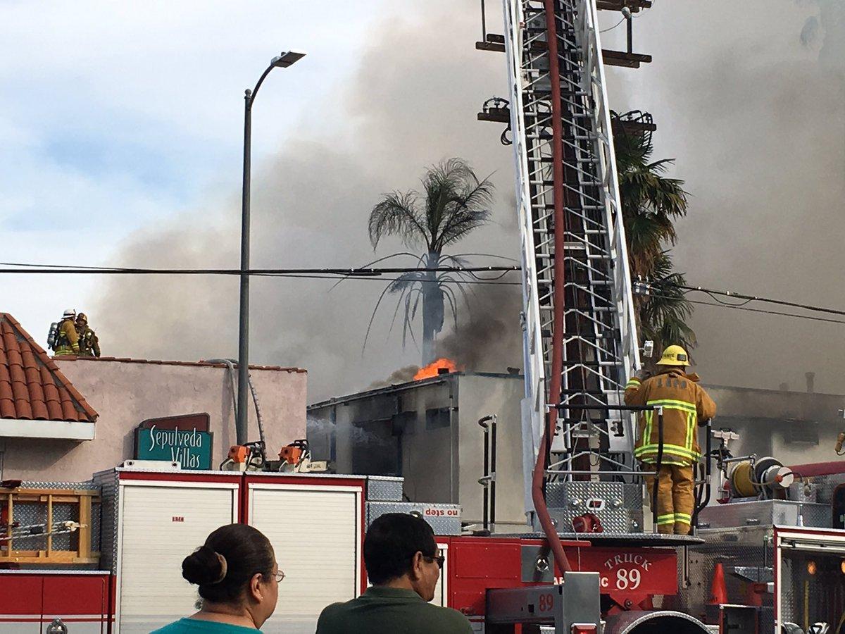 #abc7eyewitness fire at the Voyager Inn https://t.co/U6LWivTvGE