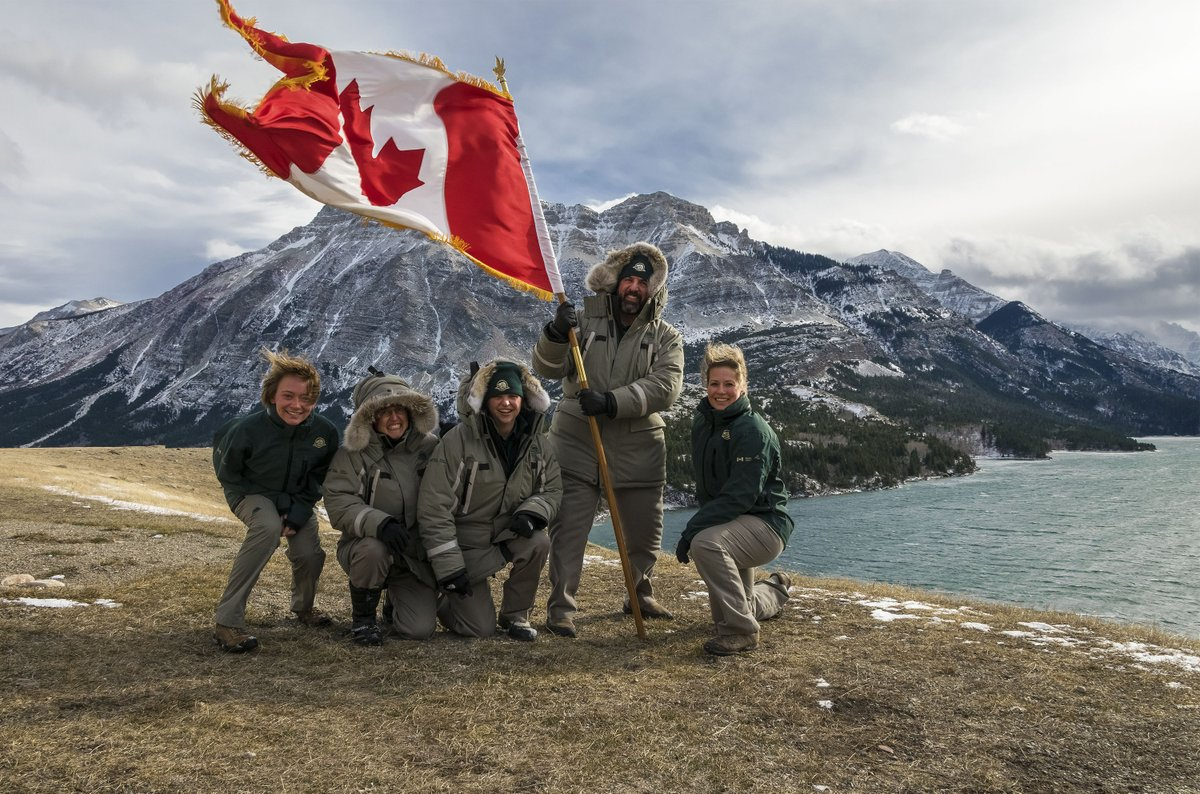 Happy National #FlagDay of #Canada! Our staff @WatertonLakesNP are proud to bear the #CanadianFlag! @CdnHeritage https://t.co/h3EtE6Zcf8