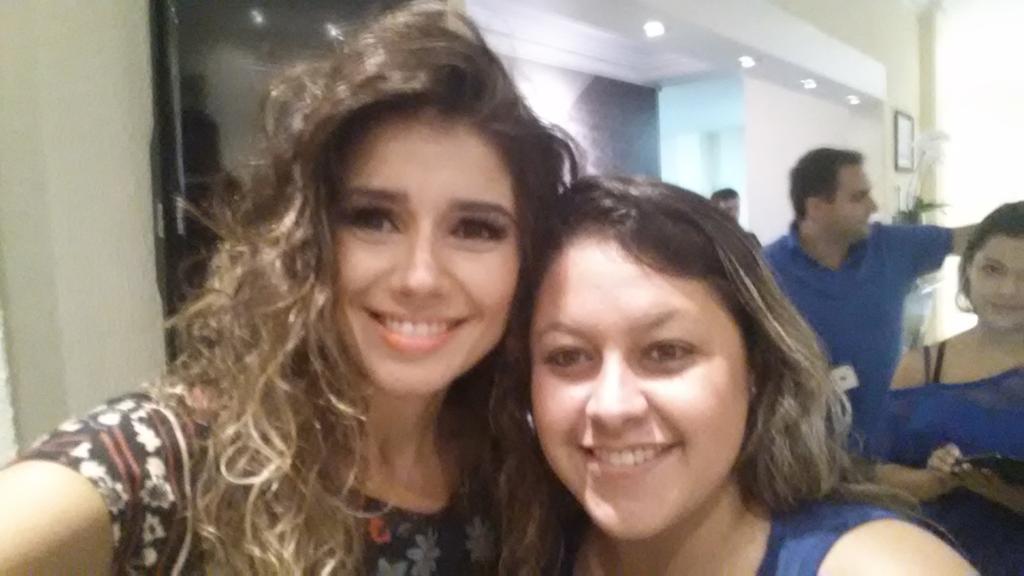 O teu sorriso alegra minha alma... @PaulaFernandes7  @JeitoMato  #sitePaulaFernandes https://t.co/fFXPEFDNG4