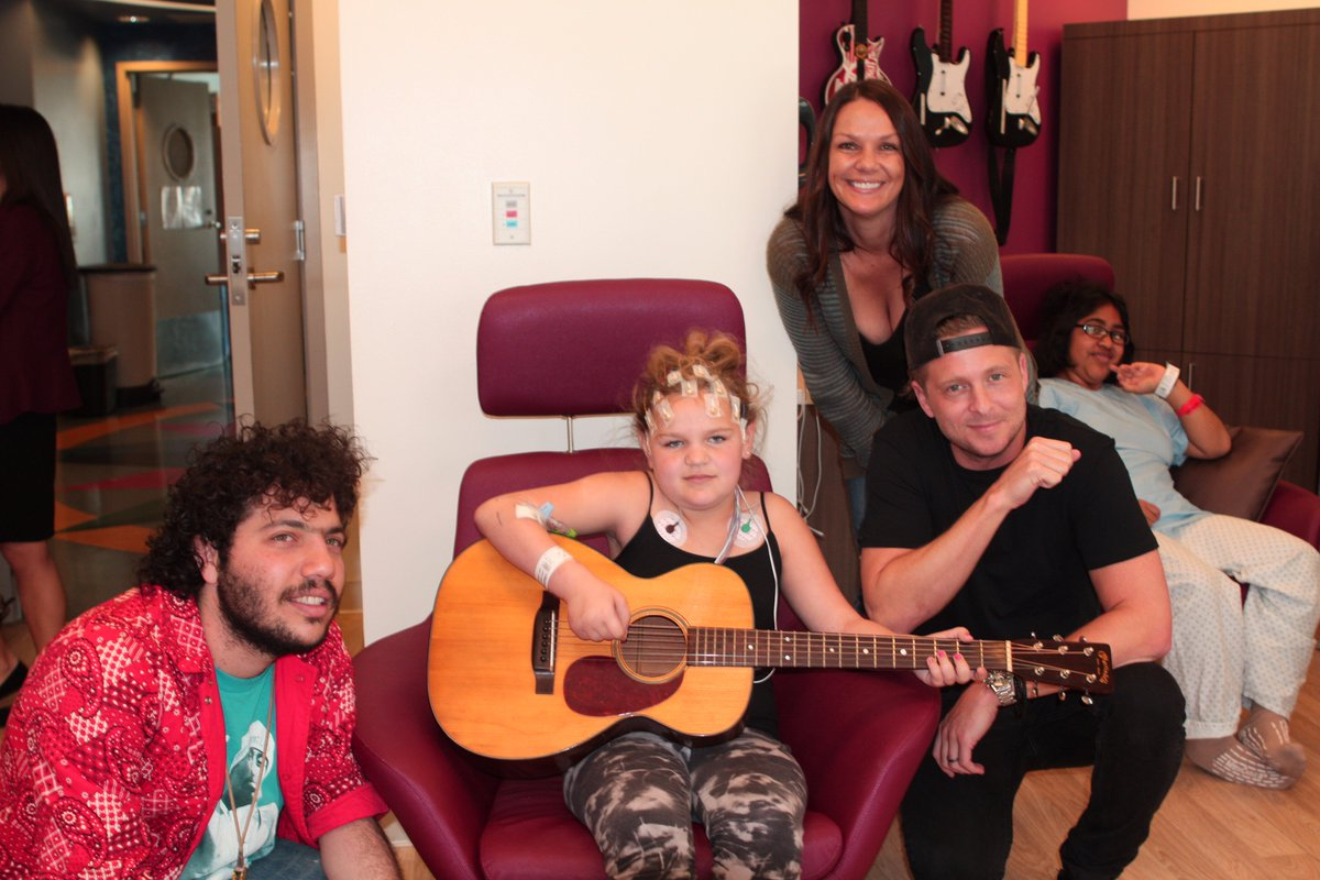 Wonderful day @MCHUCLA w/ @GetWellSoonTour @ItsBennyBlanco! @OneRepublic brightened the kids' day! Thank U so much! https://t.co/XAgFF5QXJi