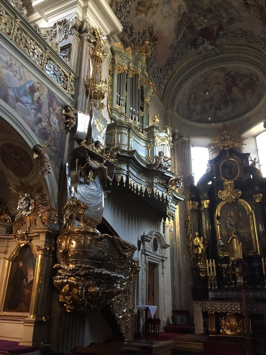 Eglise des s urs clarisses cracovie d di e st andr for Interieur 18eme siecle