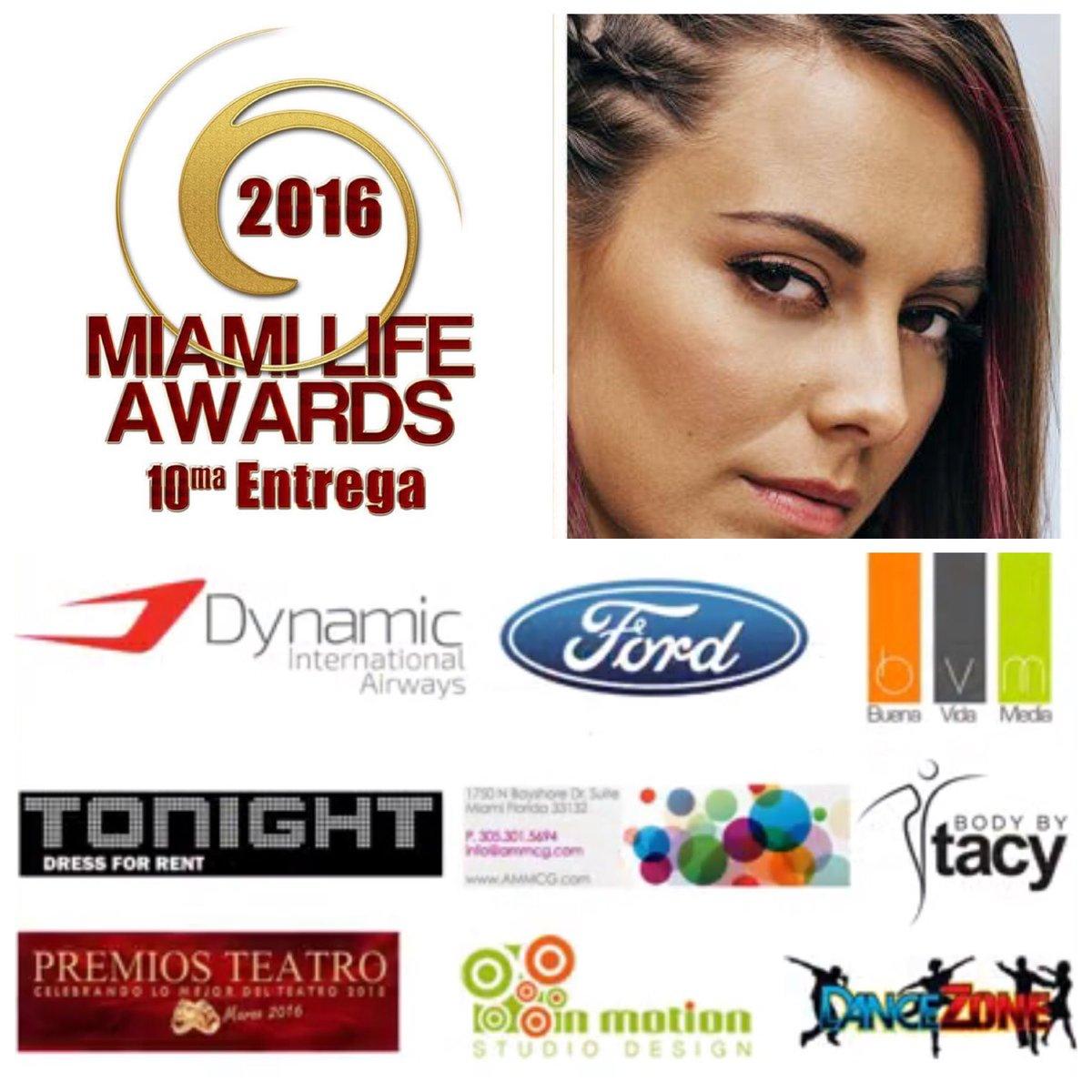 #MiamiLifeAwards 10ma Entrega - Telenovela Actriz Protagonista del Año gana @MariaECamargo  #BajoElMismoCielo #TLMD https://t.co/PPWi7FTOFN