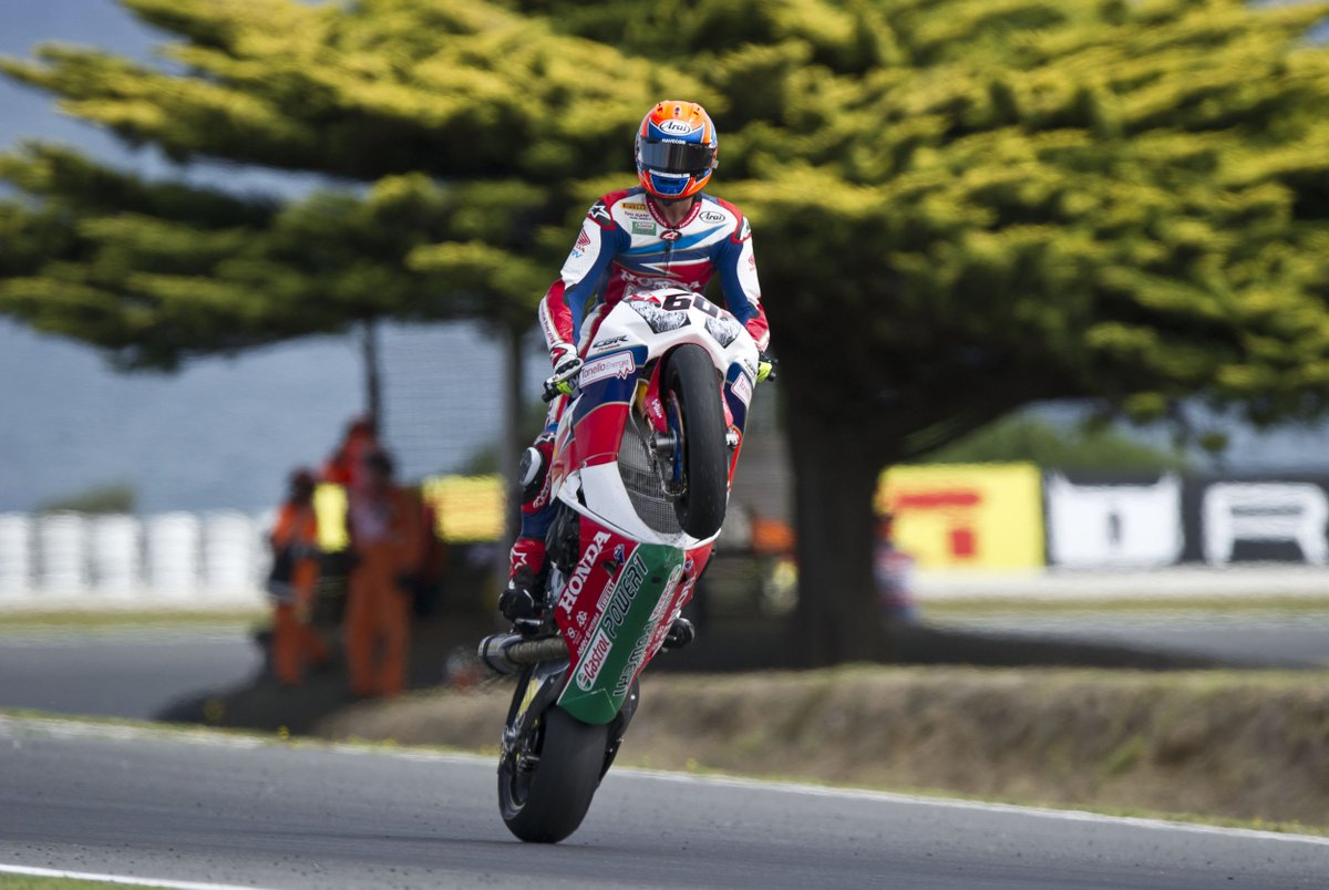 Another podium, another wheelie - @mickeyvdmark just can't get enough #AusWorldSBK #Honda https://t.co/LFQKXDuY42