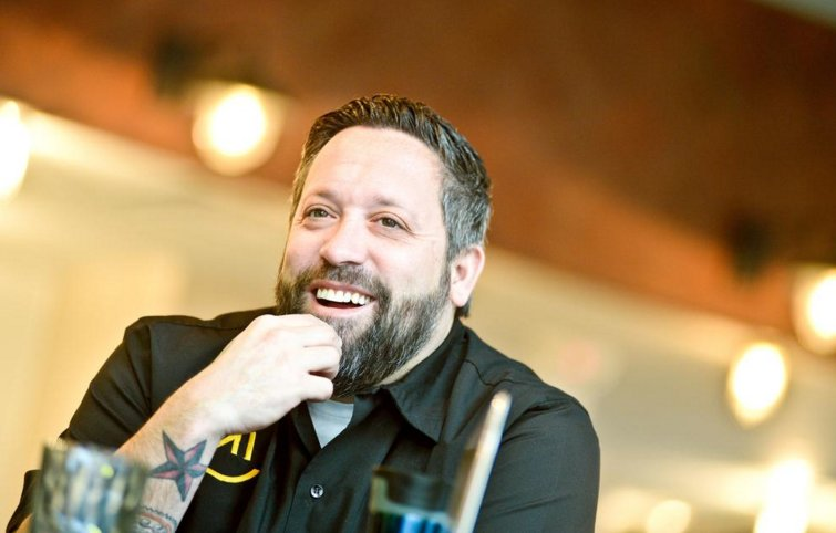 RT @BaltBizOnline: Celebrity chefs Bryan Voltaggio, Mike Isabella opening restaurants at BWI