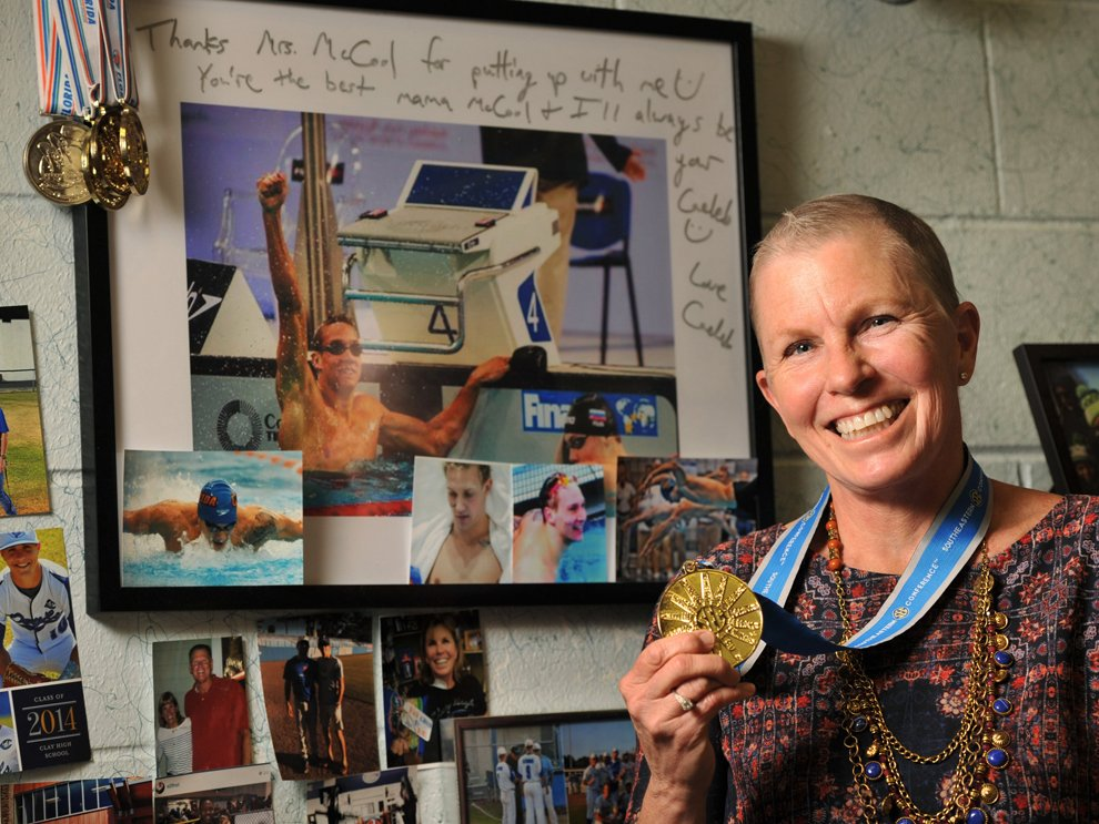 Record-breaking UF swimmer shares special bond with Clay High teacher - https://t.co/B9untwiKeC https://t.co/eo8rj9nJ0y