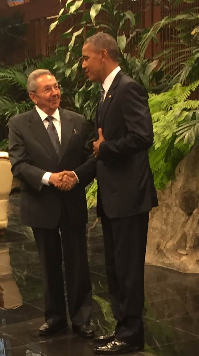"Historic handshake: Obama tells Castro ""we had a great tour yesterday, and we had a great dinner."" #CubaVisit https://t.co/cHEMN3sUxx"