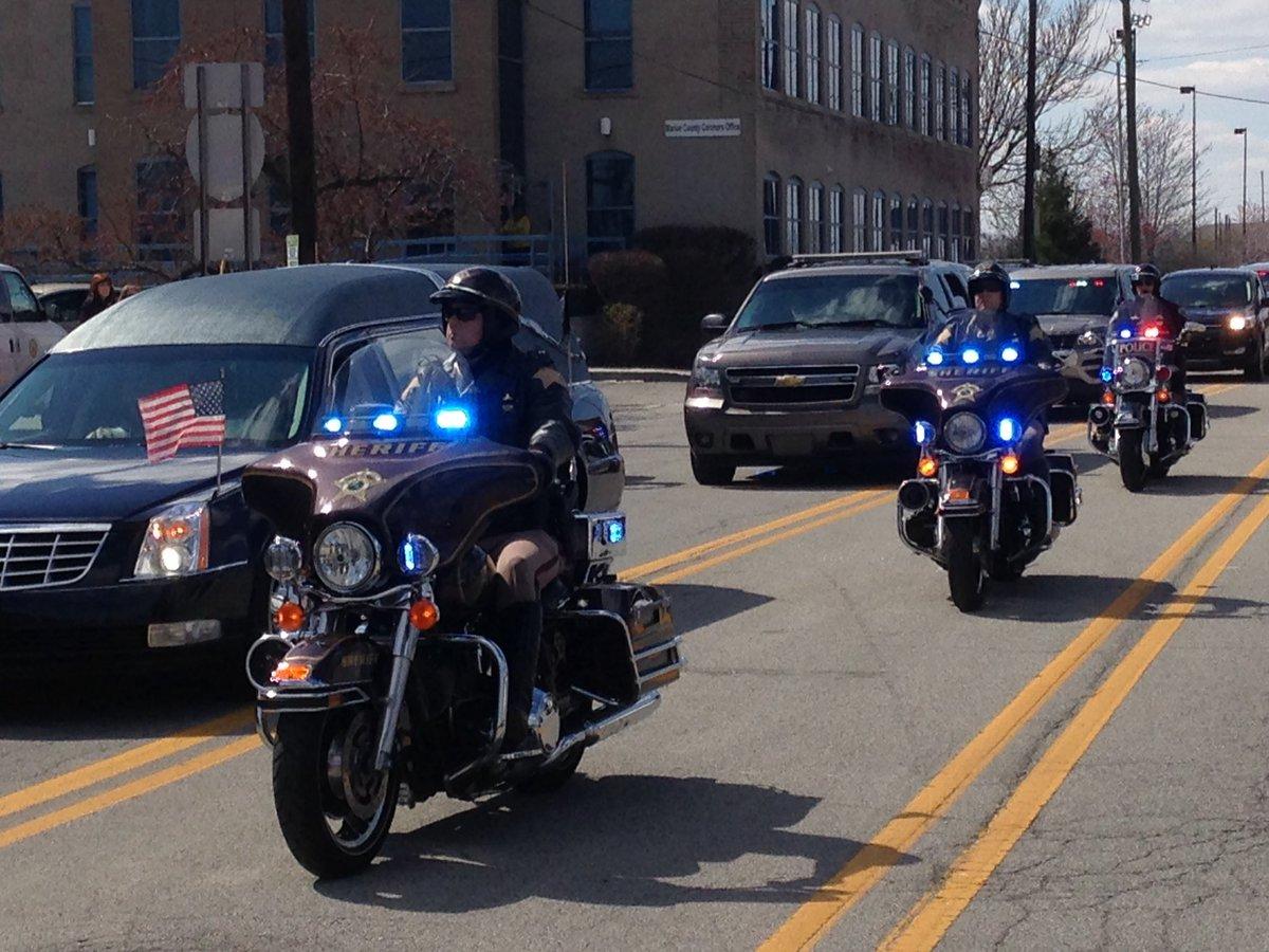 Deputy Koontz escort leaving Marion Co. Thank you for your service Deputy Koontz. RIP. https://t.co/ncQkUktFfj