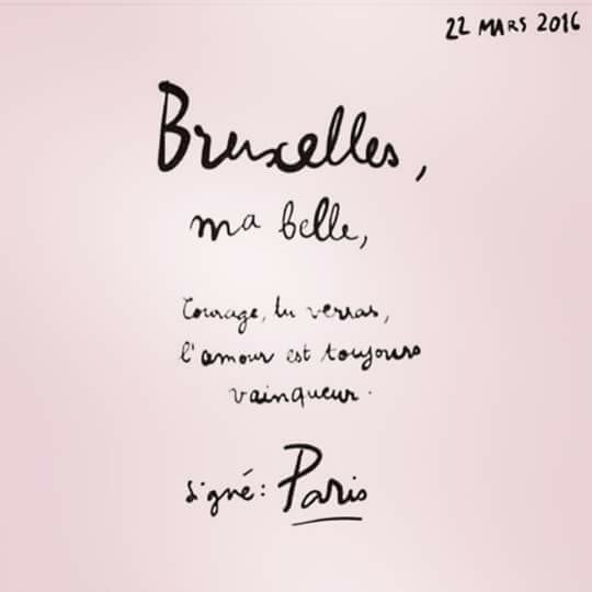 #Bruxelles, ma belle, Paris a un message pour toi #VenezOnSAime https://t.co/yMcsGn2mXC