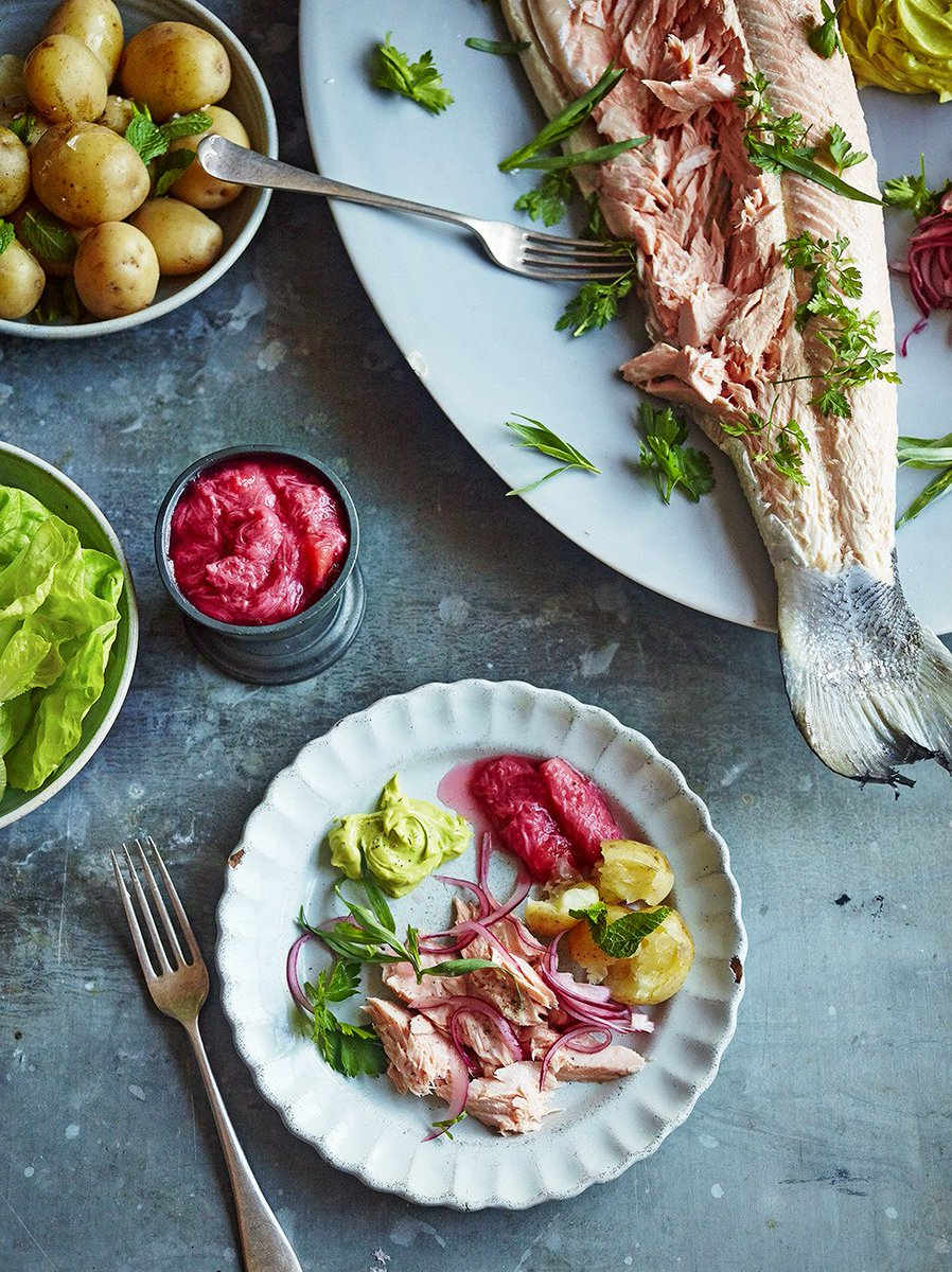 #Recipeoftheday a beautiful salmon with rhubarb sauce & tarragon mayo https://t.co/0VNCnd6T8p #Easter https://t.co/eL7FFXFwRo