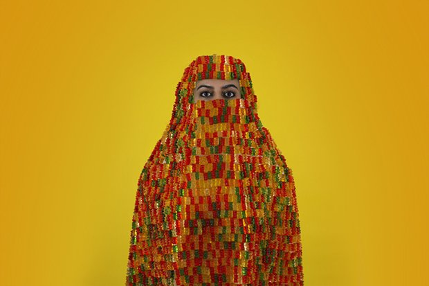 Artist Creates Self-Portraits Wearing Burqas Made of Candy https://t.co/AlVHuZX59i via @featureshoot https://t.co/KaKW53foB0