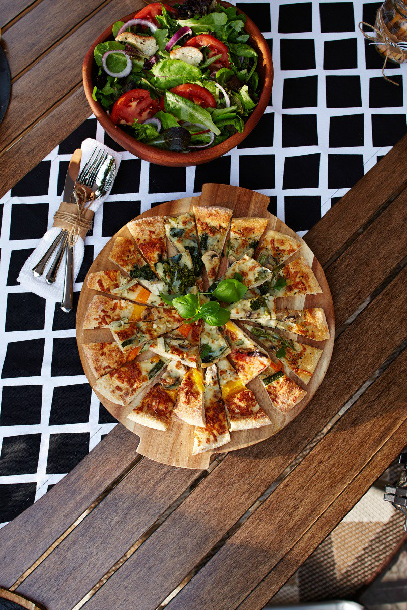 Kick off the upcoming patio season with a BBQ Pizza Party! https://t.co/CpAvS7Jhtb #MyCANVAS @CanadianTire https://t.co/0uKSOl4USu