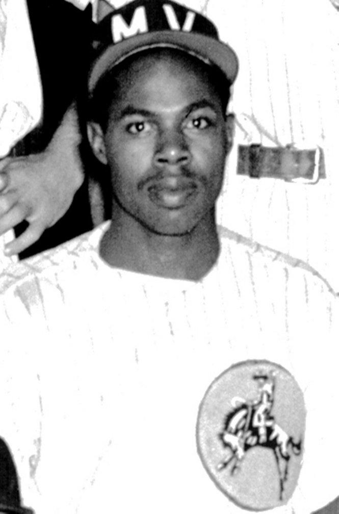 RIP Negro League star Ted Toles, Jr. ( @nlbmprez ) https://t.co/WbOg4jVX4n